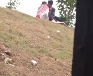 Naughty Thai Prostitute Fucked After Sucking In Park