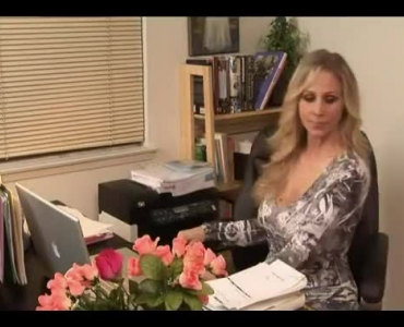 Diana Doll Is A Delicious Blonde Whore Who Likes To Use An Opportunity To Get Fucked