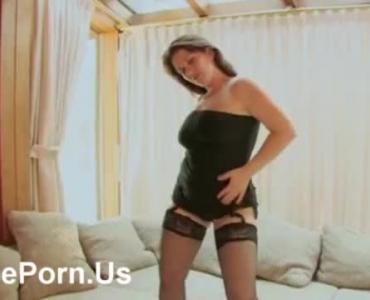 Hot Teen Lesbian Love Rubbing Her Pussy On A Webcam