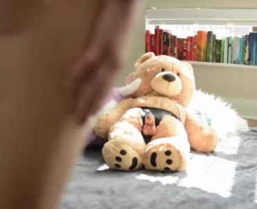 Blonde Lesbo Fucked By Teddy