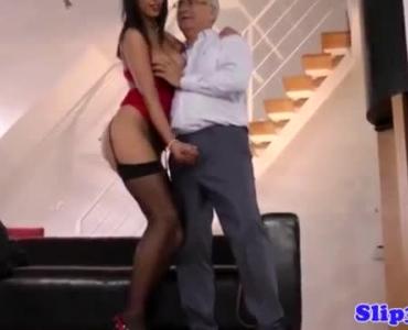 Horny Pregnant Brunette Fucking Hard Her Mans Dong