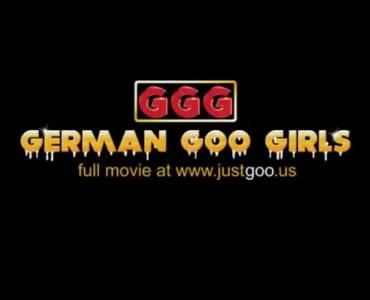 Strapon Exposing German Babe Bouncing On Meltoke