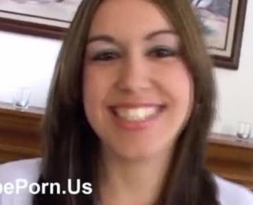 Horny Slut Gets A Jizz In Her Favorite Peachy Lips