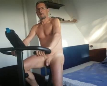 Golden Eyed Blonde Giving A Great Footjob To A Guy Before He Fucking