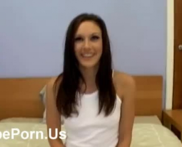 Sexy Teen Girl Showing Her Pussy